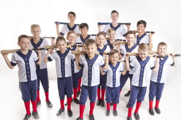 yankee-stadium-boys-tapB56A1AF3-C91D-C0DC-20A9-B95D42F6FF17.jpg
